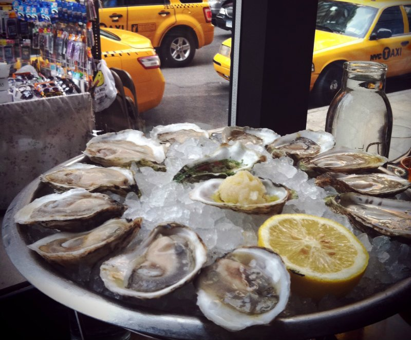 The best raw bars in new york pursuitist - Bluewater grill seafood restaurant oyster bar ...